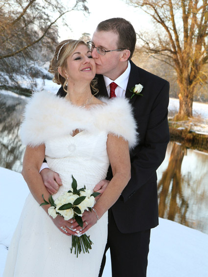 A snowy wedding by Essex Wedding photographer Studio 1